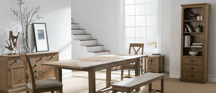 亚马逊2016年销售家具和寝具有多少?